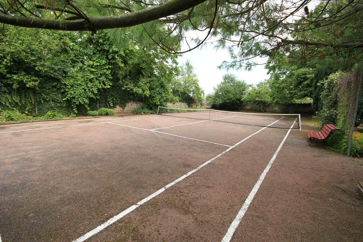 Terrain de tennis familial
