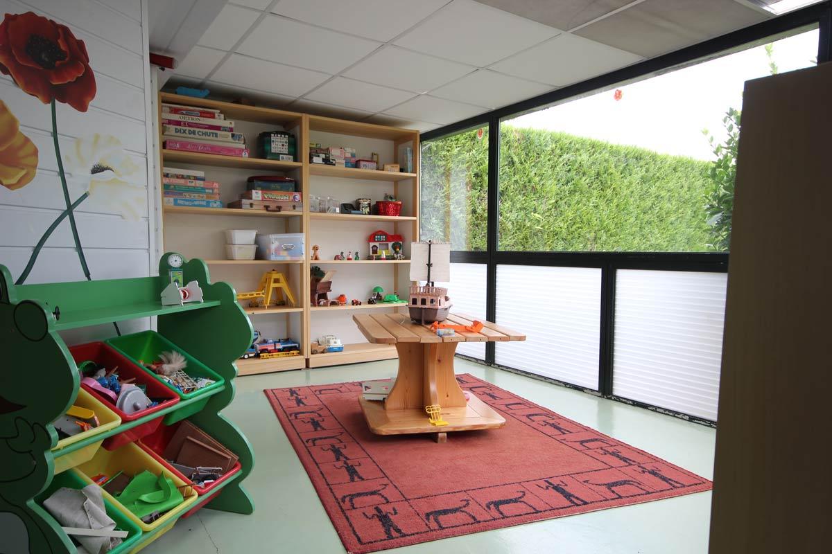 Salle de jeux et de lecture